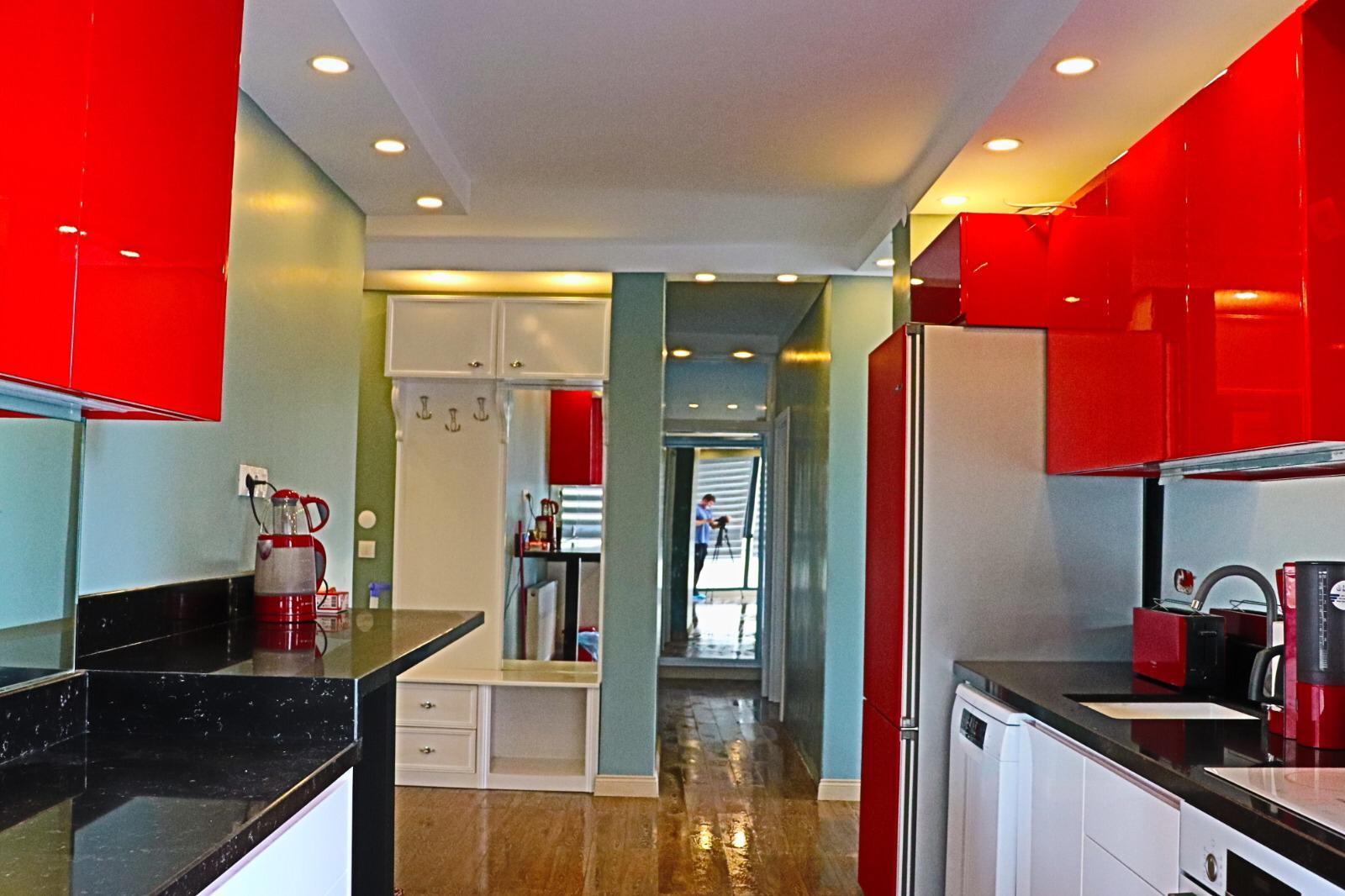 الشقة للبيع في كونيالتي ليمان  و تبعد عن ركز المدينة 9 كم، و تبعد عن البحر ب800متر
