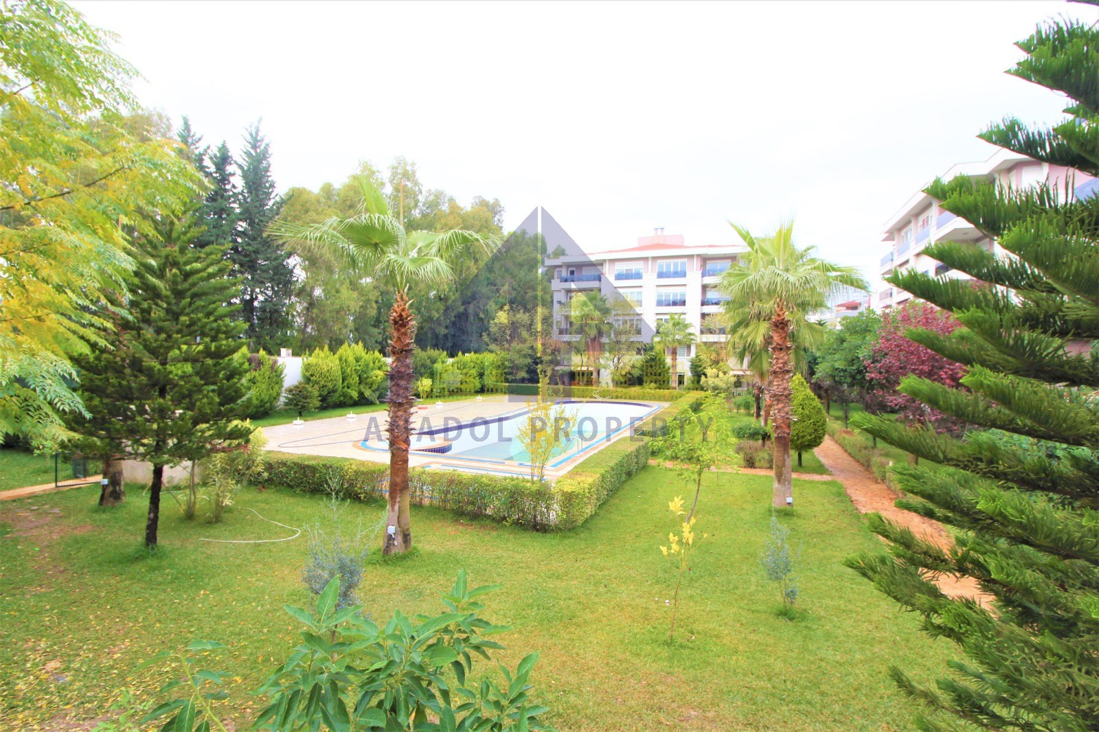 للمهتمين بالجنسية التركية شقة للبيع في انطاليا ضمن مجمع سوبر ديلوكس